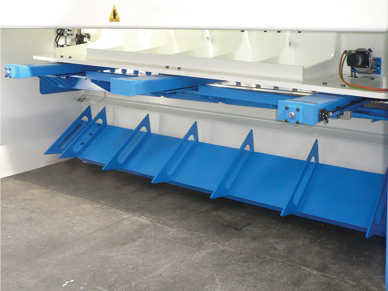 PRODUCTS : CUTTING MACHINES - FRATELLI FARINA